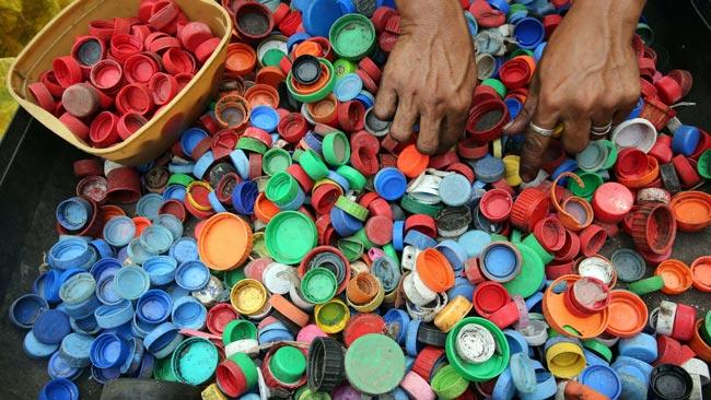 Easy Eco Tips 2021 recycle plastic caps